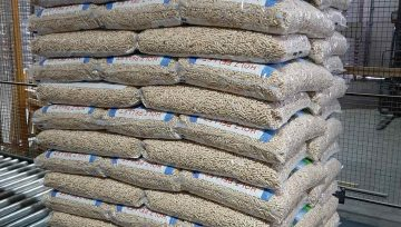 Kokybiškų medžio pjuvenų granulių yra